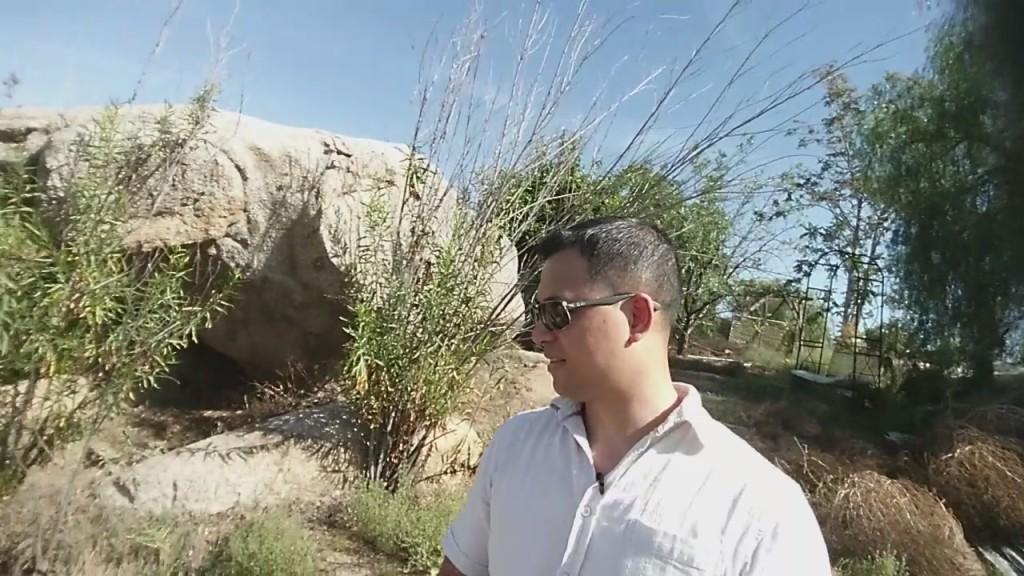 Rammed Earth House Construction Fig 39 - Tai Zen & giant rock
